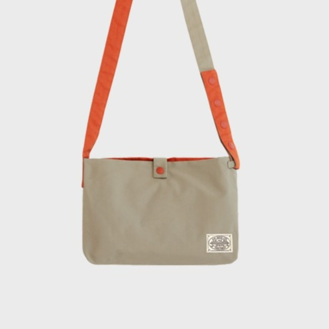 [공장] Reversible twoway cross bag_Oatmeal